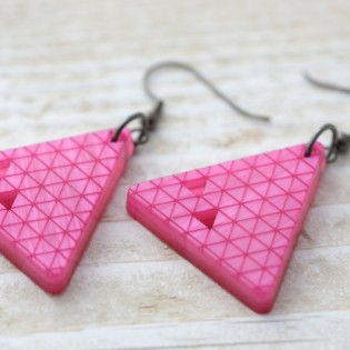 EARRINGS Trikotnik